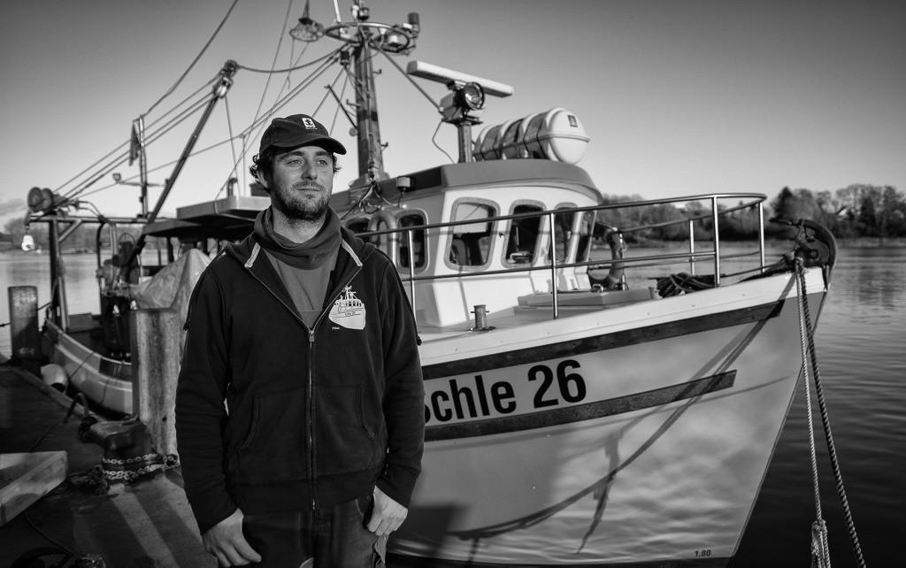 Christian Ross © Holger Rüdel | Christian Ross ist der jüngste unter den Fischern vom Holm in Schleswig an der Schlei. Er fischt am liebsten allein in seinem Kutter