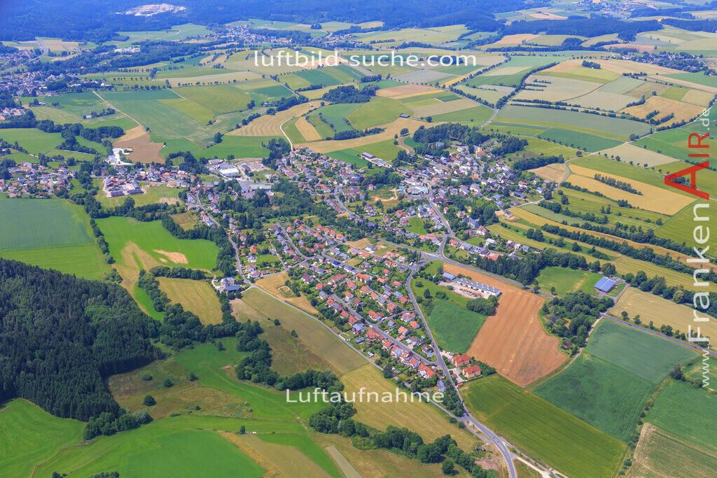 schoenbrunn-wunsiedel-2016-240 | Luftbild von Schoenbrunn Wunsiedel - Luftaufnahme wurde 2016 von https://frankenair.de mittels Flugzeug (keine Drohne) erstellt - die Geschenkidee