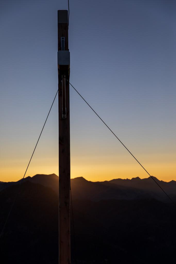 Am Gipfel des Kranzhorns bei Sonnenuntergang