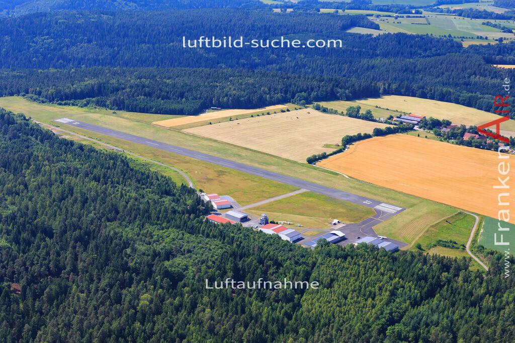 flugplatz-kulmbach-17-1372 | Luftbild von Flugplatz Kulmbach - Luftaufnahme wurde 2017 von https://frankenair.de mittels Flugzeug (keine Drohne) erstellt - die Geschenkidee