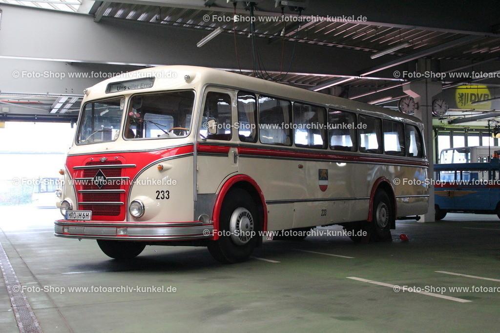 IFA H 6 B/L Linienbus Nr. 233 (Rostocker Straßenbahn AG), 1958   IFA H 6 B/L Linienbus, creme-rot, Kennzeichen HRO H 6 H, Baujahr 1958, Rostocker Straßenbahn AG: 1958-1973/ Strahlsund: 1973-1992, ab 1992 wieder RSAG, Omnibus, Wagen-Nr. 233, Hersteller: VEB IFA-Kraftfahrzeugwerk