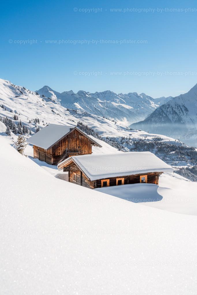 Hütten im Schnee-1