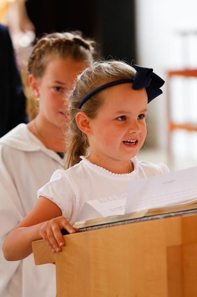 Carina_Florian zu Hause_Kirche WeSt-photographs01241
