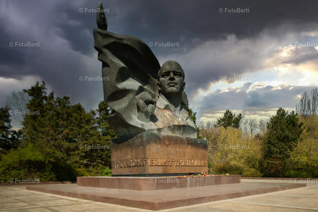 Sauberes Thälmann-Denkmal
