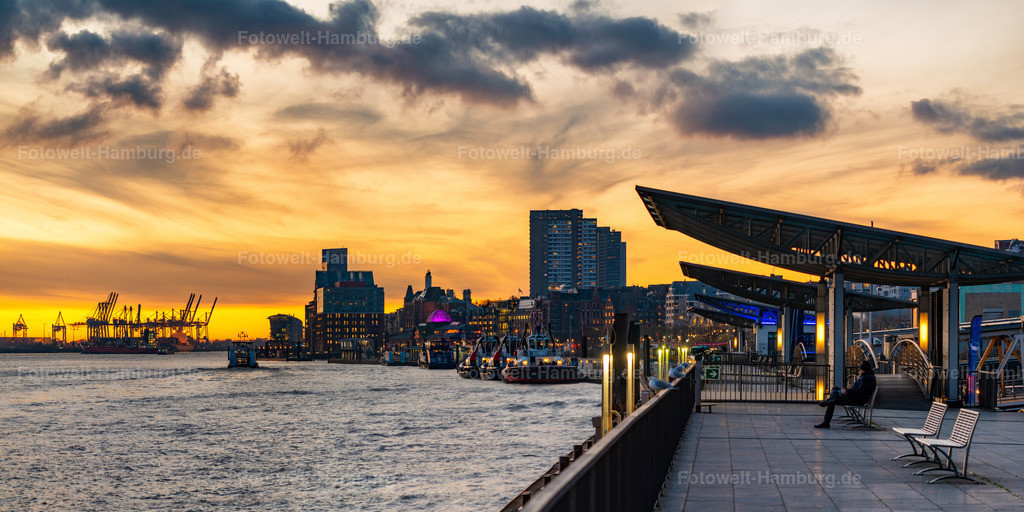 10200207 - Sonnenuntergang an den Landungsbrücken | Abends an den Landungsbrücken sitzen und den Blick entlang der Elbe schweifen lassen...Diese traumhafte Stimmung bei Sonnenuntergang haben wir hier für Sie eingefangen.