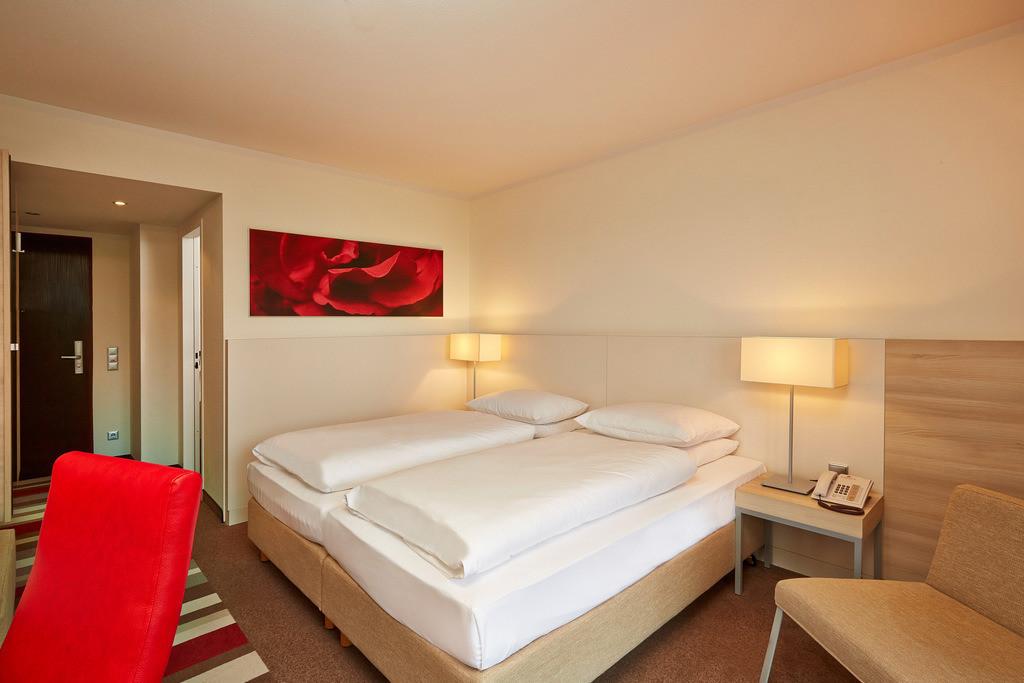 zimmer-twin-06-hplus-hotel-bad-soden