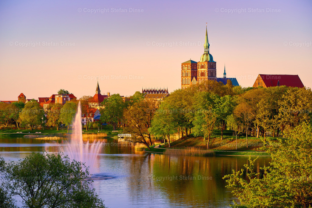 evening scene with skyline of historic Stralsund | evening scene with skyline of historic Stralsund