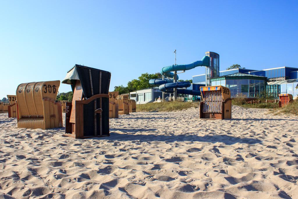 Strandkörbe an der Ostsee   Strandkörbe am Strand in Eckernförde