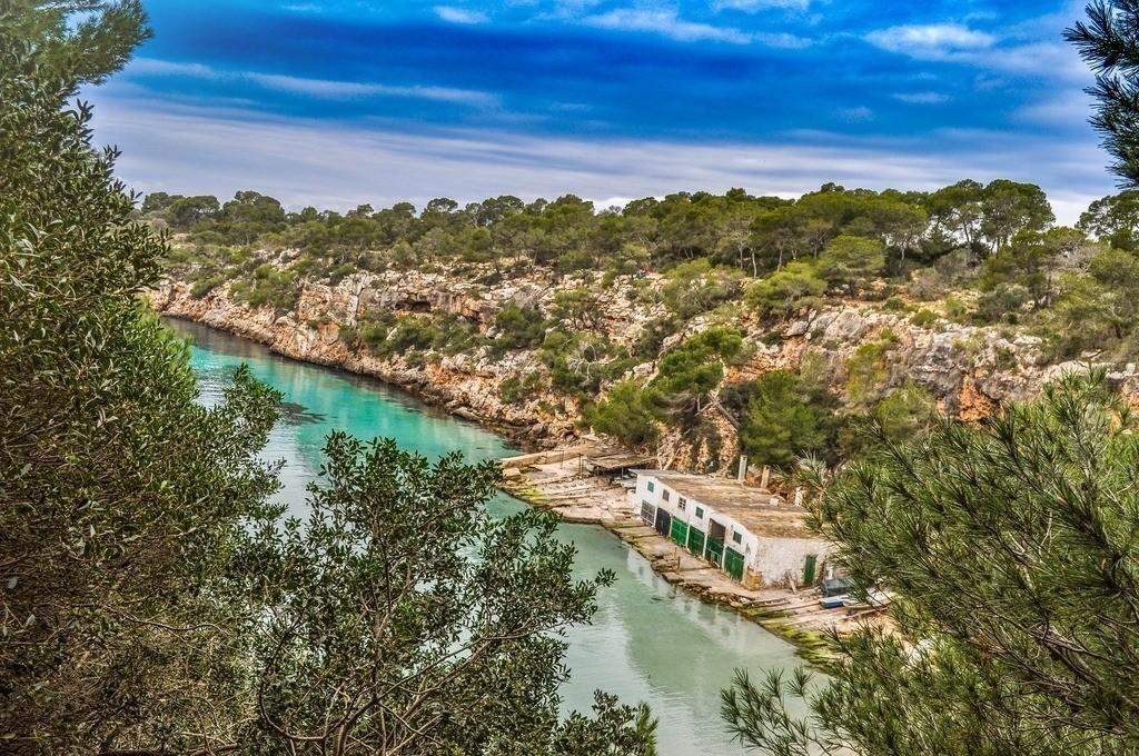 Bucht Cala Pi auf Mallorca | Blick von oben auf die traumhafte Bucht Cala Pi