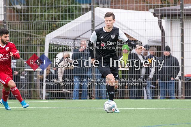 Fußball, Herren, Mercado Cup 2020, TSV Sasel (Oberliga) - FC Teutonia Ottensen 05 (Oberliga), Sportplatz Kreuzkirche, 02.02.2020 | Leon Pascal Kroiß (#5, Teutonia)