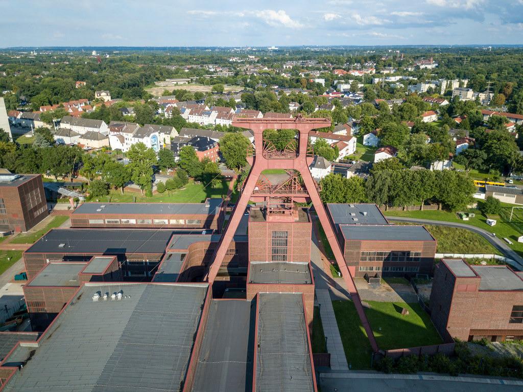 JT-170814056   Welterbe Zeche Zollverein, Fördergerüst Schacht 12,  Essen, Deutschland, Stadtteil Katernberg,