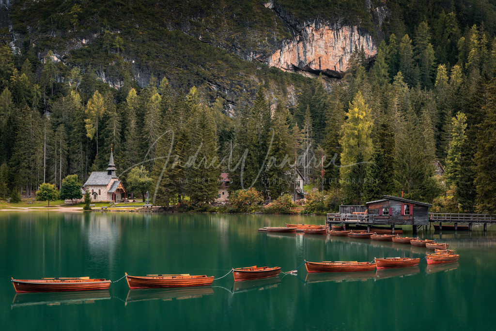 Morgenruhe am Bergsee