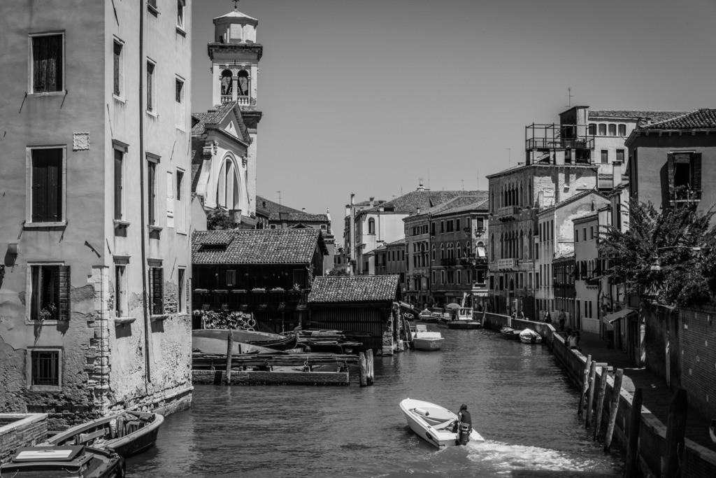 Venice-bnw-51