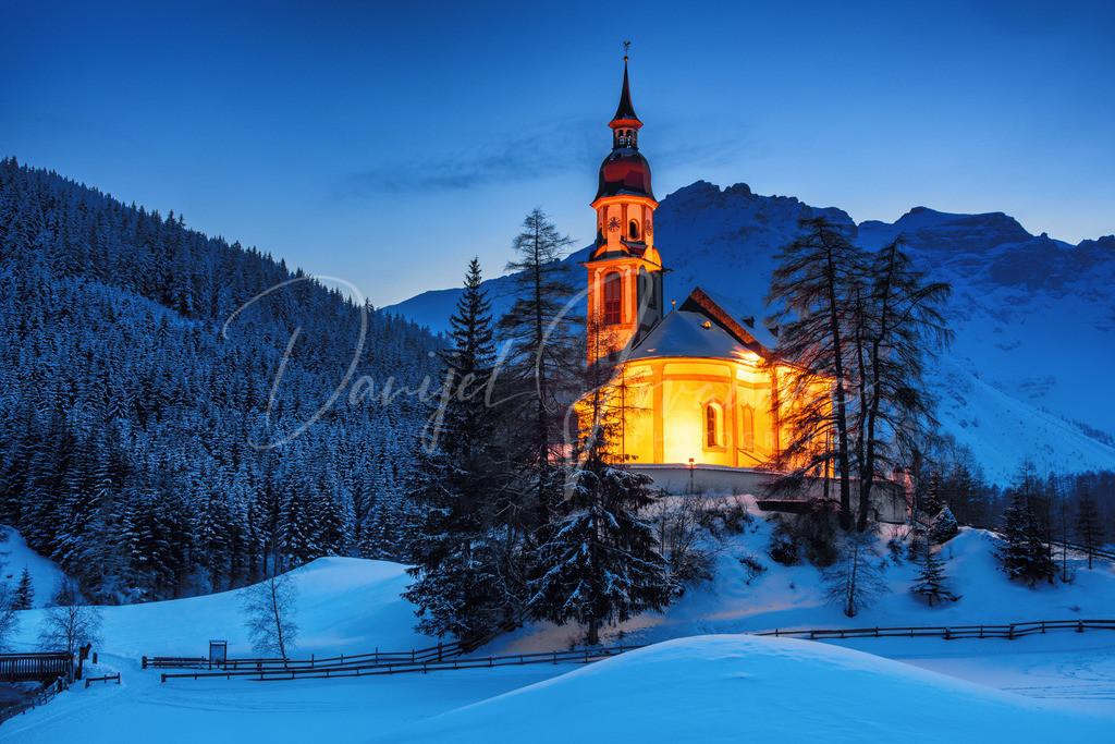 Obernberg | Kirche von Obernberg am Brenner mit dem Tribulaun