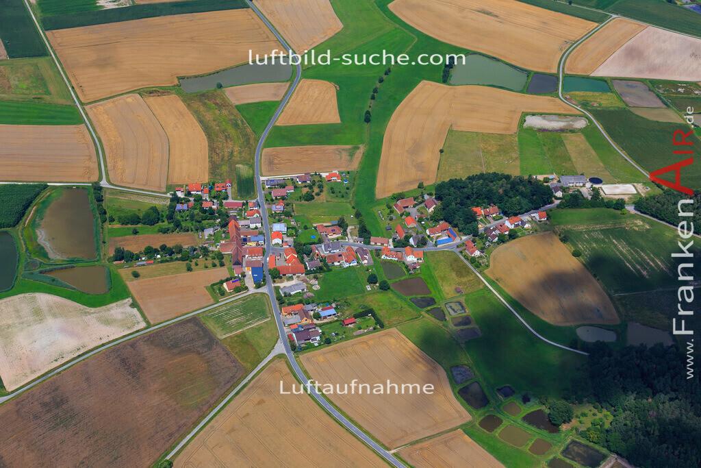schwarzenbach-hoechstadt-17-4883 | Luftbild von Schwarzenbach Hoechstadt - Luftaufnahme wurde 2017 von https://frankenair.de mittels Flugzeug (keine Drohne) erstellt - die Geschenkidee