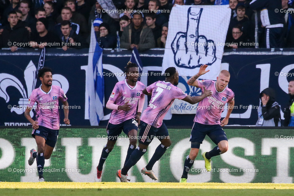 191221svdvshsv_1352 | 21.12.2019 Fussball 2.Bundesliga, SV Darmstadt 98-Hamburger SV emspor, despor  v.l.,  Hamburger SV, Torjubel, Goal celebration, celebrate the goal     (DFL/DFB REGULATIONS PROHIBIT ANY USE OF PHOTOGRAPHS as IMAGE SEQUENCES and/or QUASI-VIDEO)