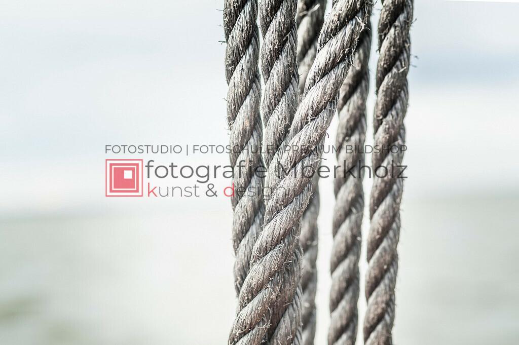 @Marko_Berkholz_mberkholz_MBE6634 | Die Bildergalerie Zeesenboot | Maritim | Segel des Warnemünder Fotografen Marko Berkholz zeigt maritime Aufnahmen historischer Segelschiffe, Details, Spiegelungen und Reflexionen.
