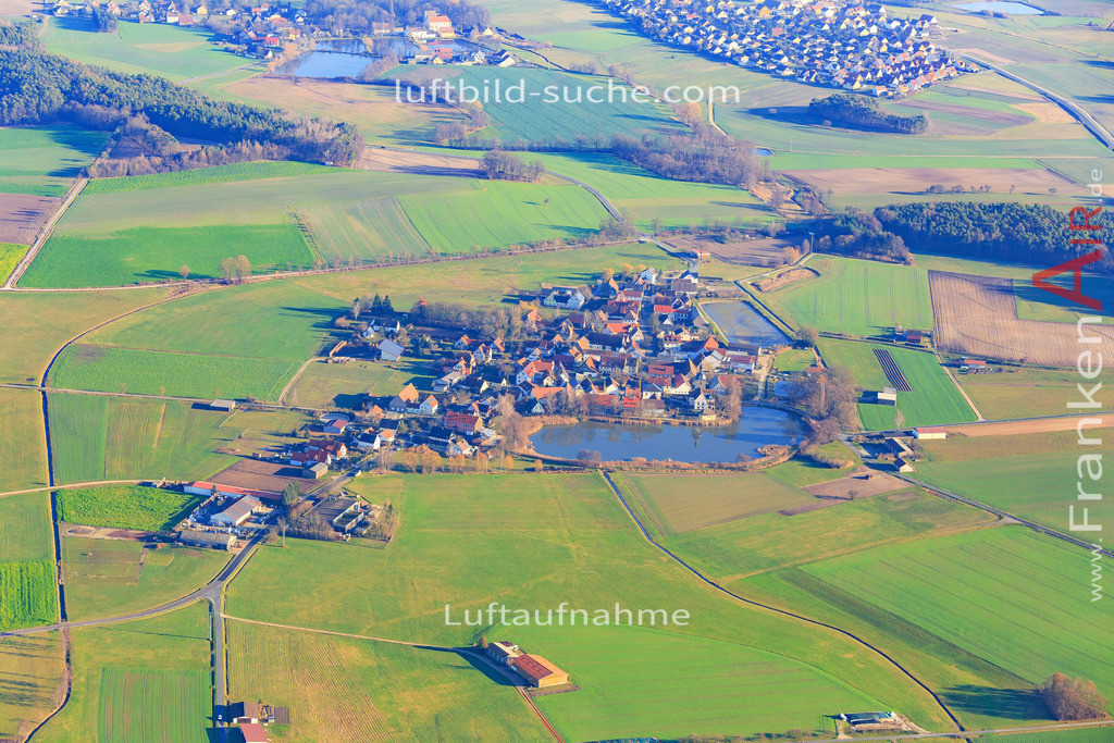 weisendorf-2015-3061 | Luftbild von  Weisendorf - Luftaufnahme wurde 2015 von https://frankenair.de mittels Flugzeug (keine Drohne) erstellt - die Geschenkidee