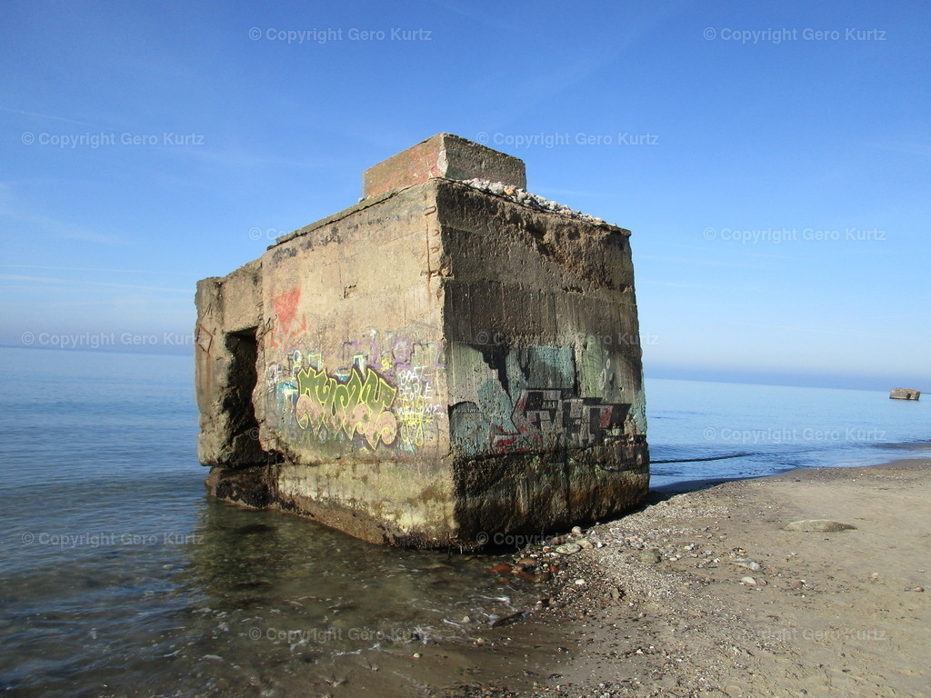 NVA Bunker | Alter abgestürzter NVA Bunker am Hohen Ufer