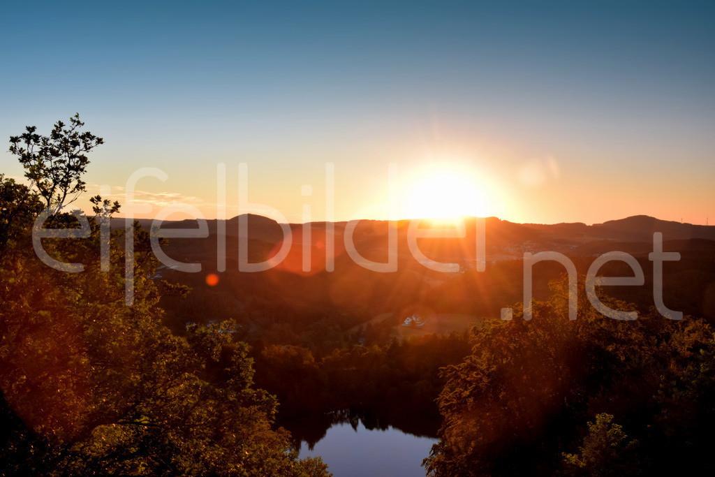 Sonnenuntergang am Gemündener Maar, Daun | Eifel, Vulkaneifel