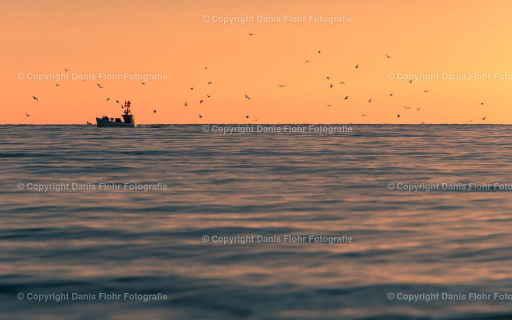 Ostseefischer | Ein Fischer im Sonnenaufgang