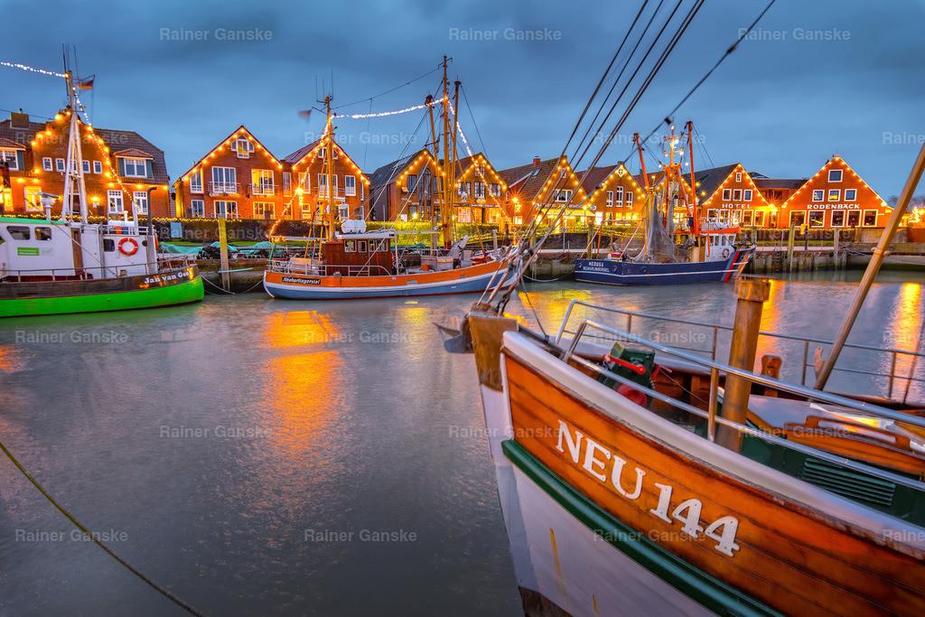 171225-6-Neuharlingersiel Hafen Kutter