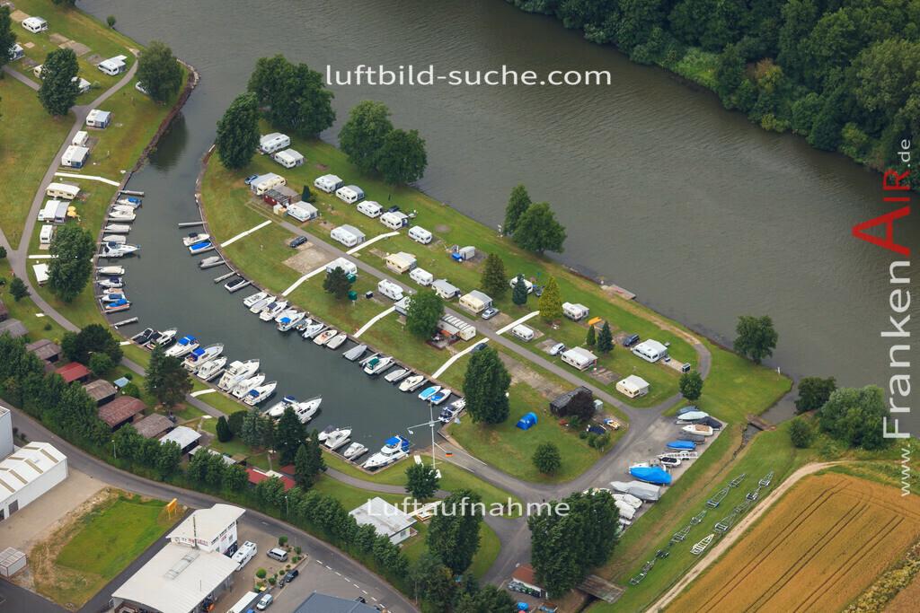 luftbild-bischberg-2016-7344   Luftbild von  Bischberg - Luftaufnahme wurde 2016 von https://frankenair.de mittels Flugzeug (keine Drohne) erstellt - die Geschenkidee