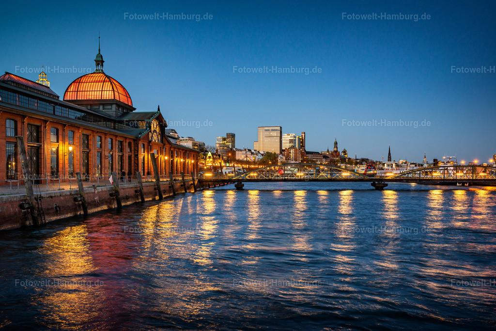10210203 - Blaue Stunde an der Fischauktionshalle | Tolle Lichtstimmung zur blauen Stunde am Altonaer Fischmarkt.