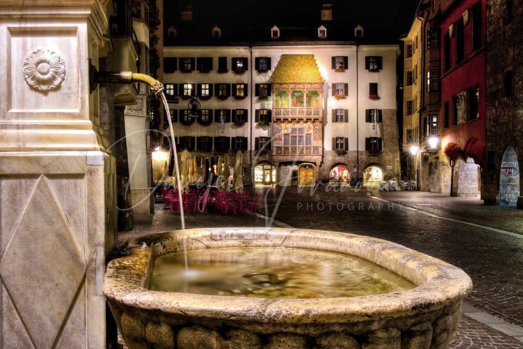 Goldenes Dachl | Das Goldene Dachl und der Altstadtbrunnen