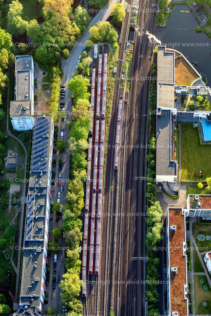 Hamburg Bergedorf_S-Bahn_D_ELS_5299160520 | Hamburg - Aufnahmedatum: 16.05.2020, Aufnahmehöhe:  m, Koordinaten:  - , Bildgröße: 5504 x  8256 Pixel - Copyright 2020 by Martin Elsen, Kontakt: Tel.: +49 157 74581206, E-Mail: info@schoenes-foto.de  Schlagwörter:Hamburg,Bergedorf,Luftbild,Luftbilder,Deutschland