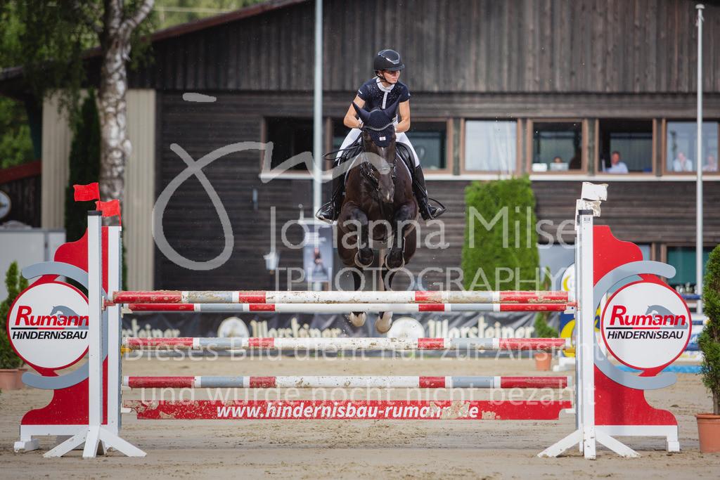 200821_Delbrück_Youngster-M-618 | Delbrück Masters 2020 Springprüfung Kl. M* Youngster Springen 6-8jährige Pferde