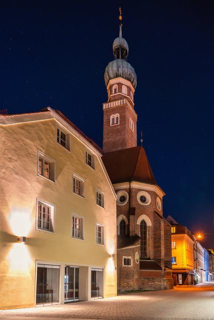 Kirche St. Veit in Straubing | Kirche St. Veit erstrahlt in der Nacht