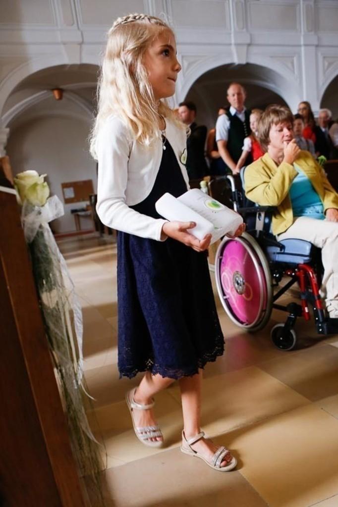 Carina_Florian zu Hause_Kirche WeSt-photographs01155