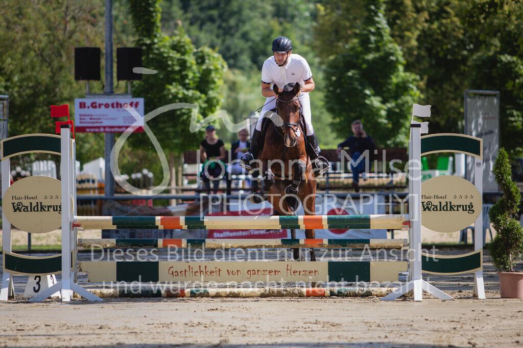 200819_Delbrück_Sprpf-A_1_2-024   Delbrück Masters 2020 Springpferdeprüfung Kl. A* 4jährige Pferde