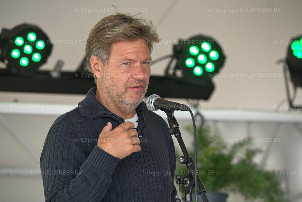 Robert Habeck - Lesung auf dem NORDEN Festival in Schleswig | Schleswig, NORDEN - the nordic arts festival - auf den Königswiesen in Schleswig geht es zum dritten Mal an drei Wochenende im Spätsommer 2021 um nordische Kultur.