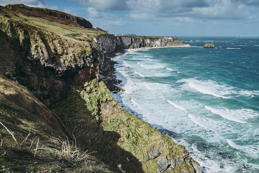 Nenagh | weiße Felswände entlang der Küste