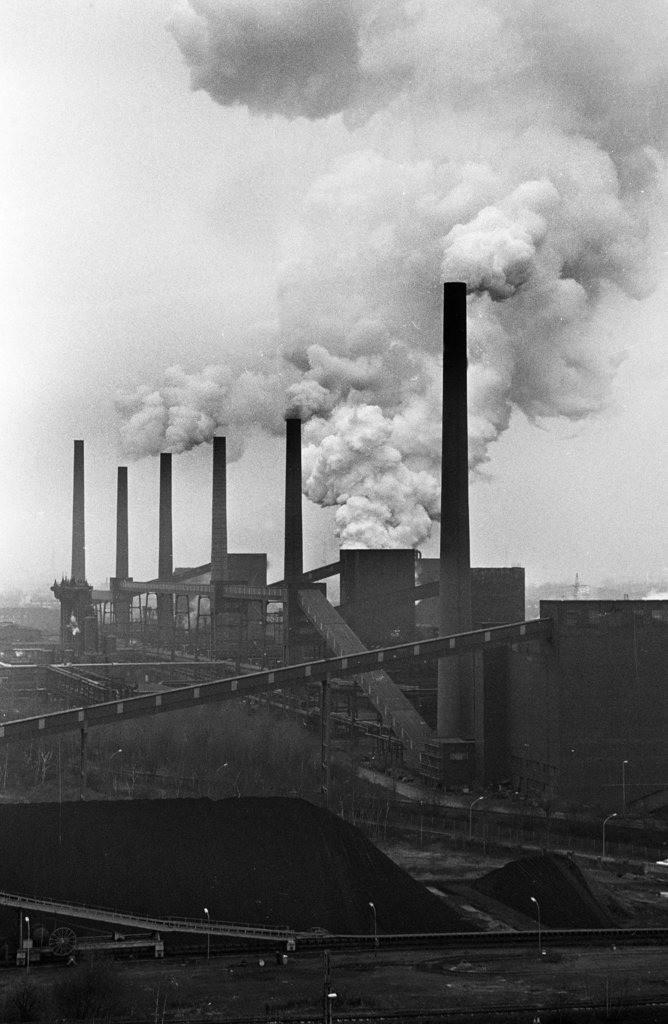 Zeche Zollverein | Essen, NRW, Deutschland,14.12.1987, Zeche Zollverein, Kokerei, ein Jahr nach der Schließung.