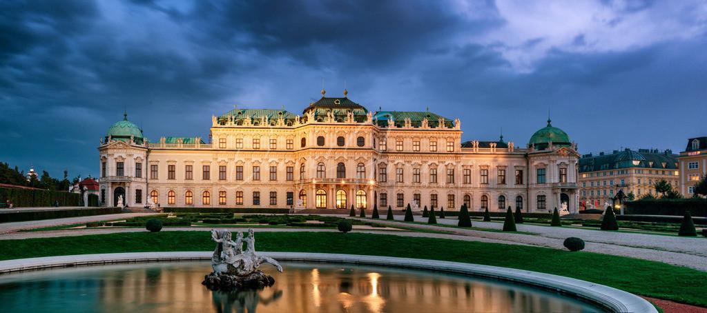 Schloss Belvedere | Das Schloss Belvedere im Abendlicht