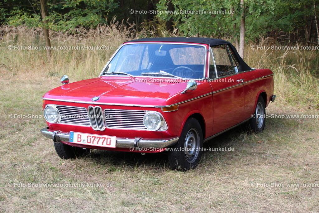 BMW 1600 Cabrio 2 Türen (Typ 114 C), 1968-1971 | BMW 1600 Cabrio 2 Türen, Farbe: Rot, Bauzeit 1968-71, Baureihe Typ 114 C, Motor BMW M10: 1,6 l (1573 cm³), Leistung 85 PS,  BRD, Deutschland