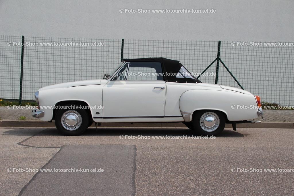 Wartburg 312-300 HT Hardtop-Roadster 2+2, 1967   Wartburg 312-300 HT Hardtop-Roadster 2+2 (Wartburg HT 1000), Hardtop-Cabrio 2 Türen, Farbe: Weiss, Dreizylinder-Zweitaktmotor mit Umkehrspülung, Hubraum 992 cm³, Leistung 45 PS, vermutlich Baujahr 1967 (Bauzeit der Serie: 1965-67), VEB IFA-Automobilwerk Eisenach, DDR, Karosseriewerk Dresden KWD (ehemals Gläser)