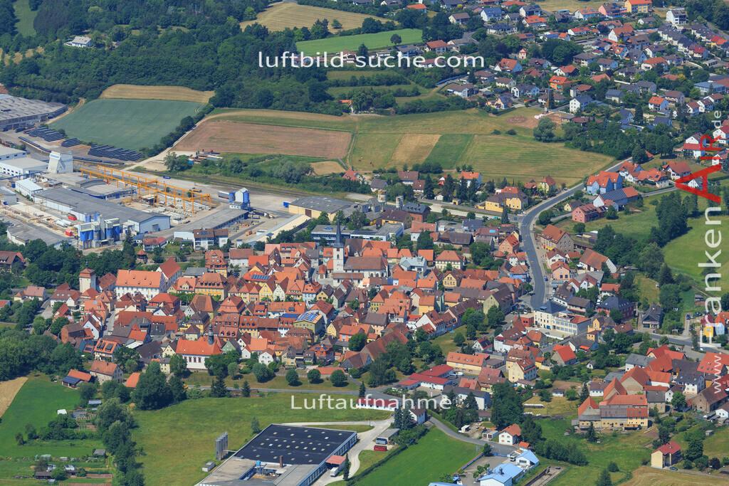 schluesselfeld-2015-1620 | Luftbild von  Schluesselfeld - Luftaufnahme wurde 2015 von https://frankenair.de mittels Flugzeug (keine Drohne) erstellt - die Geschenkidee