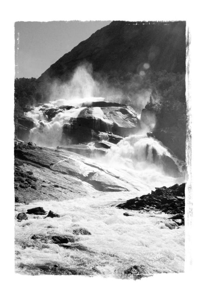 070815_1233-15576 | Wasserfall in Norwegen