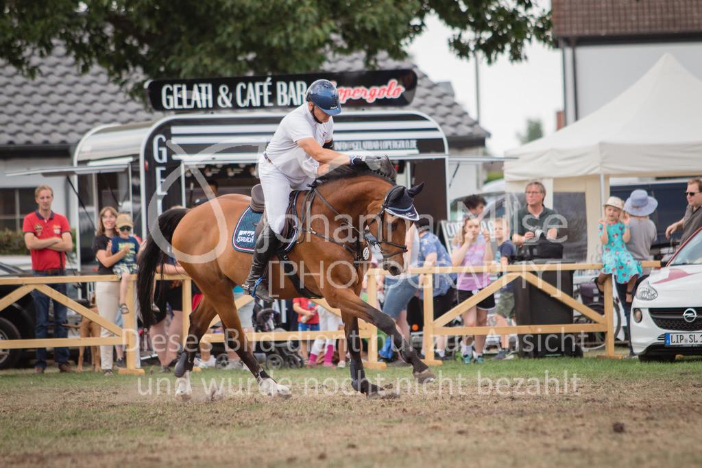 LC_Sonntag_S-Spr-29 | Lopshorn Classics 2018, Springprf. Kl.S* m.Siegerrunde, Preis der Firma Skyline express Ehrenpreis von Brennwerk OWL