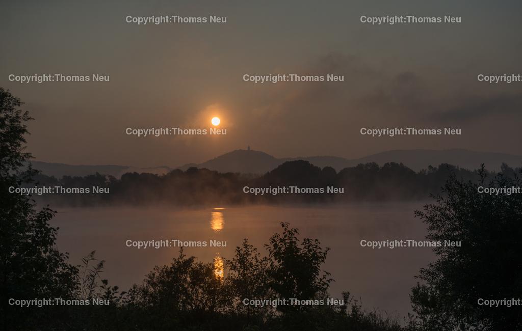 Sonnenaufgang | Bensheim,Fruiehaufsteher werden belohnt...hier der Sonnenaufgang uerber der Bergstrasse von den Ufern der Erlache am Naturschutzzentrum fotografiert. ,, Bild: Thomas Neu