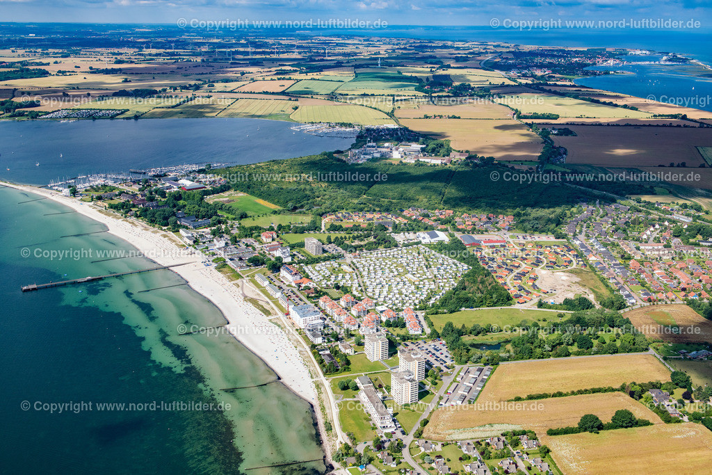 Großenbrode_ELS_8932130720 | Großenbrode - Aufnahmedatum: 13.07.2020, Aufnahmehöhe: 440 m, Koordinaten: N54°21.773' - E11°06.477', Bildgröße: 7673 x  5115 Pixel - Copyright 2020 by Martin Elsen, Kontakt: Tel.: +49 157 74581206, E-Mail: info@schoenes-foto.de  Schlagwörter:Schleswig-Holstein,Tourismus,Ostsee,Luftbild,Luftbilder,Deutschland