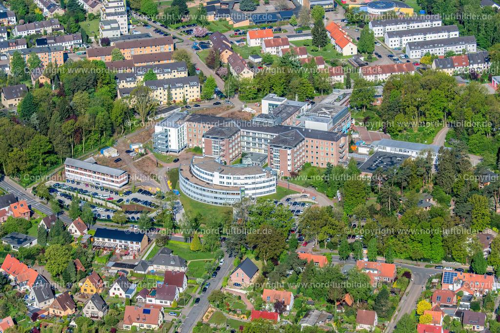 Buxtehude Elbe Klinikum_ELS_7539020518 | Buxtehude - Aufnahmedatum: 02.05.2018, Aufnahmehöhe: 417 m, Koordinaten: N53°27.585' - E9°41.423', Bildgröße: 6808 x  4538 Pixel - Copyright 2018 by Martin Elsen, Kontakt: Tel.: +49 157 74581206, E-Mail: info@schoenes-foto.de  Schlagwörter:Niedersachsen,Luftbild, Luftbilder, Deutschland