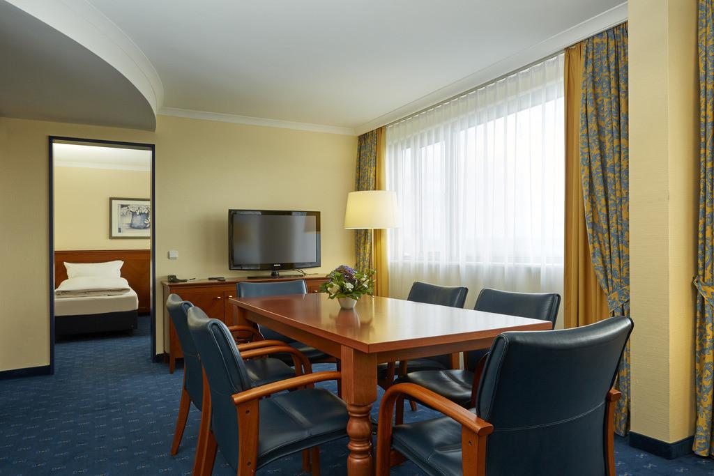 zimmer-suite-06-h4-hotel-kassel