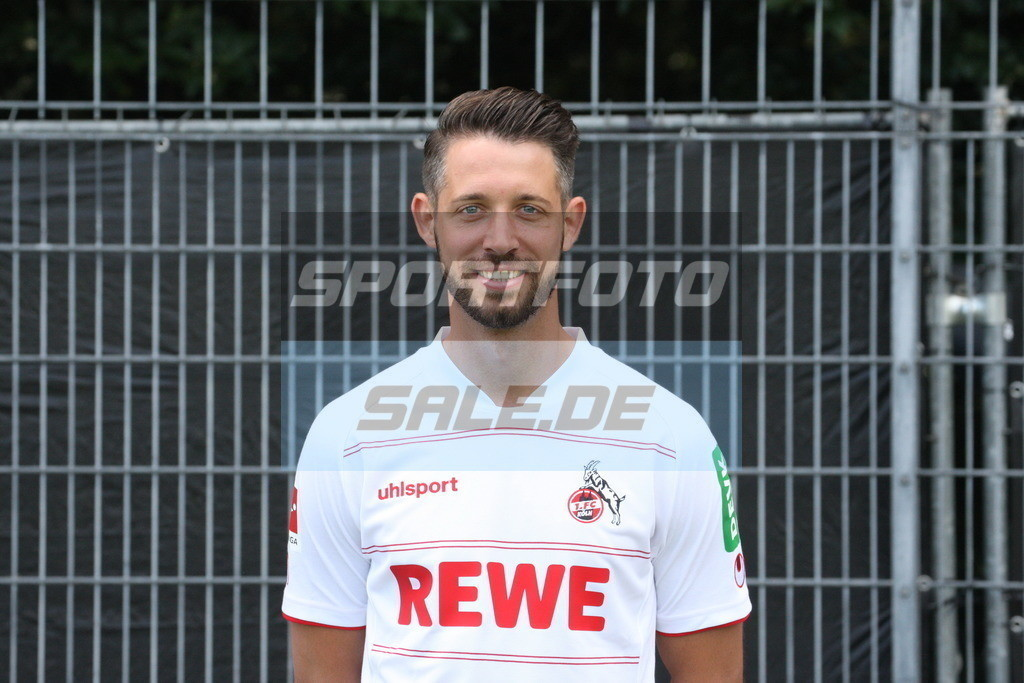 1. FC Köln Fotoshooting | Mark Uth - © Sportfoto-Sale (MK)
