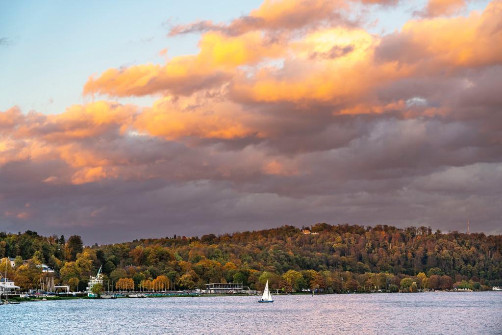 JT-201021 | Der Baldeneysee, ein Stausee der Ruhr, in Essen, Herbst, Segelboote, Essen, NRW, Deutschland