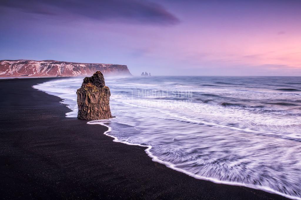 Island - Reynisfjara | Basaltfelsen am Strand von Reynisfjara bei Sonnenuntergang